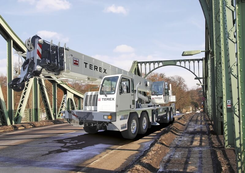 Terex T 780 on the road