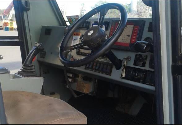 2005 AT 15 CSN 1843 cab