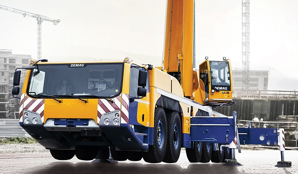 Demag AC 300-6 Chassis View