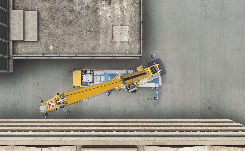 Demag AC 300-6 in restricted space