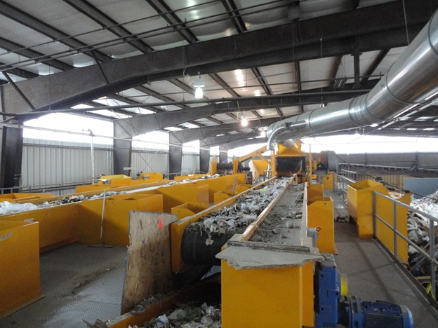 Sorting room for construction and demolition debris