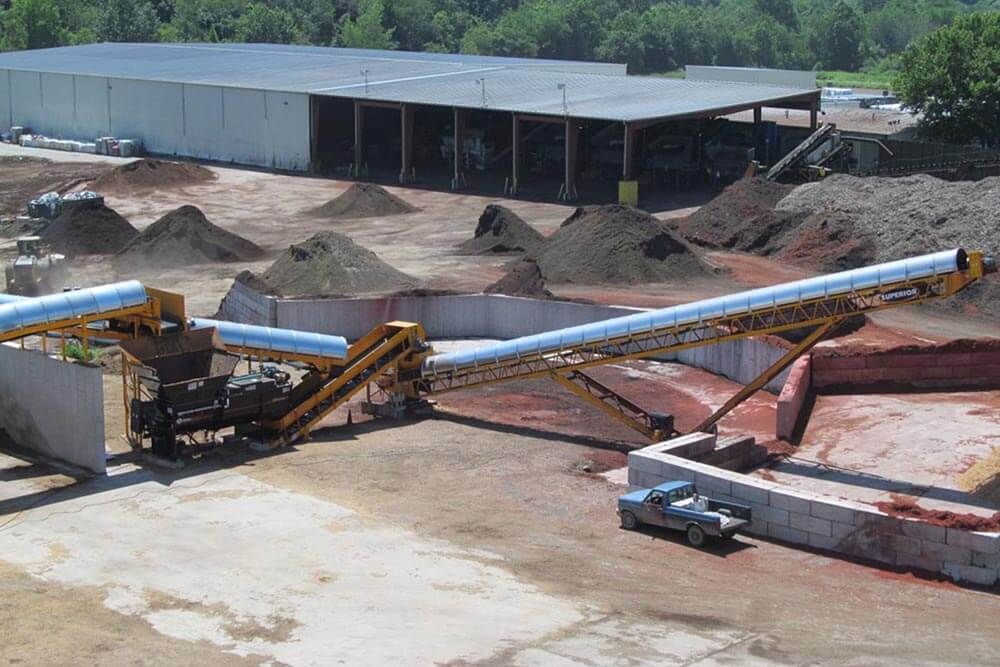 mulch stacking conveyor