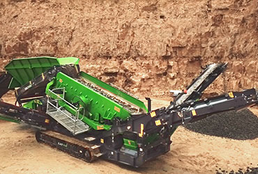 Colt 1000 Scalping Screen Working in a Quarry
