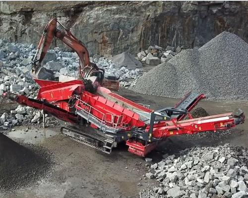 Terex Finlay 883+ (triple shaft) heavy duty screener