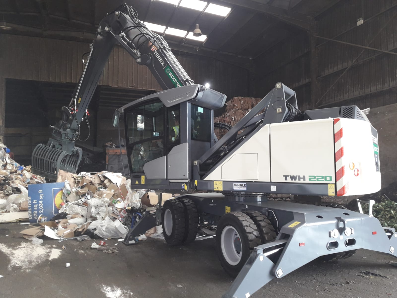 TWH220 Waste Lifter