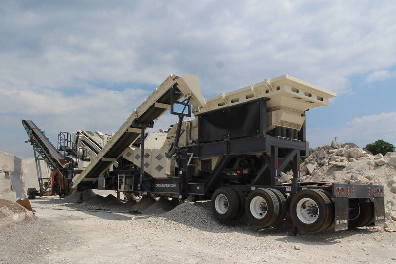 CRH1111R working in concrete recycle